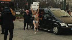 FEMEN  вступились за мусульманских женщин