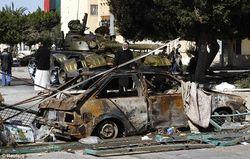 Силы Каддафи атакуют, принята бесполётная зона (фото)