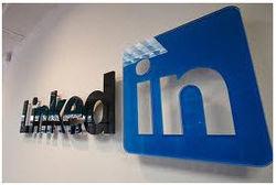 Linkedin оценила Facebook в более чем $3 млрд