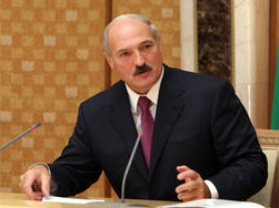 Лукашенко просит снизить цены на бензин