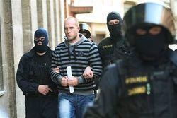 Почему в Азербайджане проходят массовые аресты?