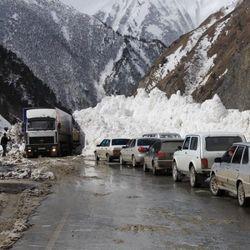Что привело к перекрытию Транскавказской автомагистрали?