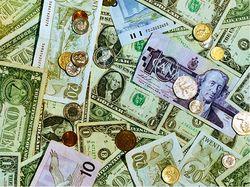Украинцы меньше интересуются иностранной валютой