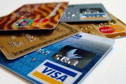 В каком банке России наиболее выгодно оформить кредитную карту?