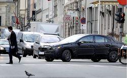 Автомобили будут сами тормозить перед пешеходами