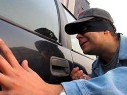 В Москве с автостоянки угнали 4 автомобиля