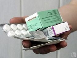 Азаров требует установления честных цен на медикаменты
