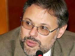 Михаил Хазин: что ждет экономику России?