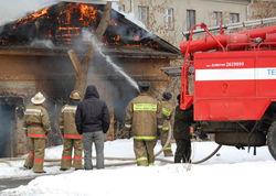 Двое из пяти человек спаслись из огня в Днепропетровской области