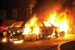 Пять автомобилей сгорели за ночь в Москве