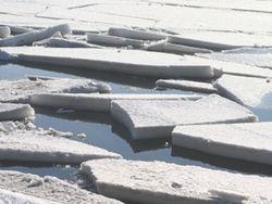 Прогулка по льду в Бердянске чуть не закончилась трагедией