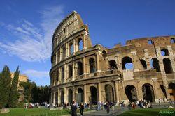 На римских улицах нельзя пить и есть