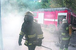 МЧС вместе с другими службами тренируются тушить пожары