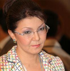 Дочери Назарбаева сделали предложение он-лайн