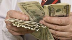 Как женщина выманила у беларусов тысячи долларов?