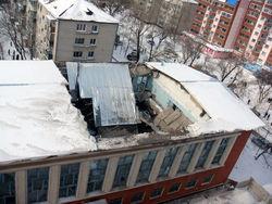 Неподалеку от Третьяковской галереи обрушилась кровля здания