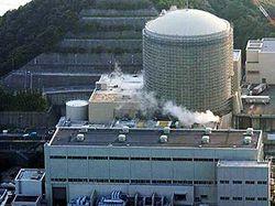 На атомной электростанции «Фукусима-2» удалось охладить два реактора