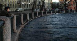 Зачем полицейские Петербурга сбросили задержанного в реку