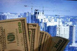 Азаров рассказал о падении цен на жильё в столице