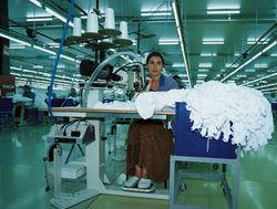 Инвестирует ли Индия в таджикские предприятия?