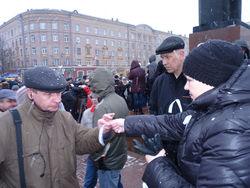 Путин: белые ленты у оппозиционеров - это контрацептивы?