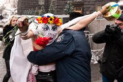 Из России депортировали вторую активистку FEMEN