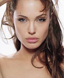 Стало известно название фильма – режиссерского дебюта Анджелины Джоли