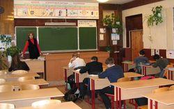 Зачем защитники школы в Донецке пригрозили… сжечь себя?