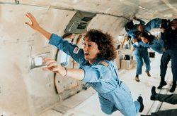НАСА: человек не может размножаться в открытом космосе