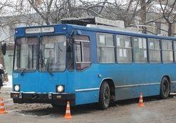 Жители Николаева пострадали, входя в троллейбус