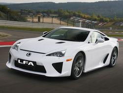 Родстер Lexus LFA оказался под вспышками фотокамер в Токио