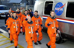 Агентство NASA ищет астронавтов через Интернет