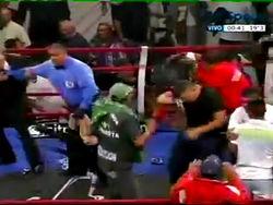 За что публика избила филиппинского боксера?