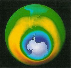 Озоновая дыра над Антарктидой ничем не угрожает