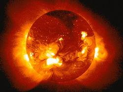 Сильные вспышки на Солнце блокируют радио и спутники