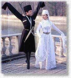 Почему Кадыров запретил чеченцам танцевать лезгинку?