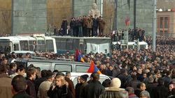 Протесты в Армении набирают обороты