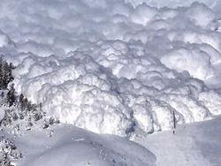 В Киргизии снежная лавина накрыла 7 человек, 3-ое из них погибли