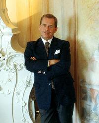Из-за чего в Чехии скончался известный политик?