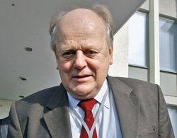 Станиславу Шушкевичу запретили выезжать за пределы Беларуси
