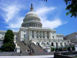 Конгрессмены выступили против повышения лимита госдолга США