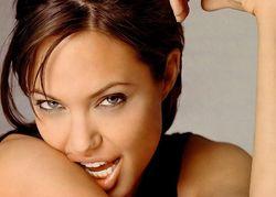В конце мая в Киев приедет Анджелина Джоли