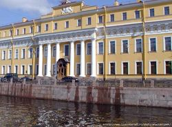 В Петербурге из Юсуповского дворца пропала старинная ваза