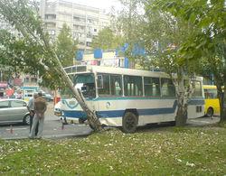 К чему привела авария автобуса в Москве?