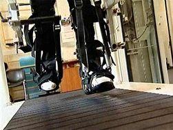 Американским ученым удалось поставить на ноги больного параличом ног