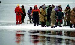 В Татарстане с оторванной льдины на сушу переправлены 168 рыбаков