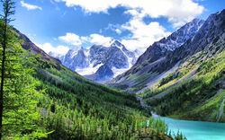На Алтае в течение года побывали 1,35 миллиона туристов