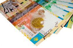 Курс тенге упал к евро и франку