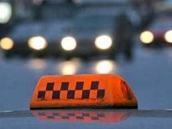 Таксист, которого лишили прав, решил что его авто угнали
