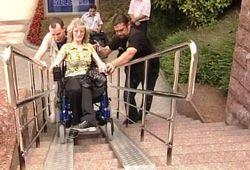 Почему в Санкт-Петербурге инвалиды-колясочники стали персонами нон грата?